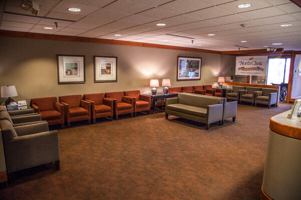 north-clinic-osseo-location-interior-lobby